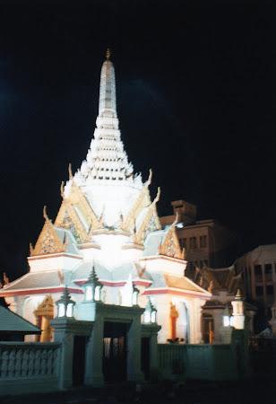 Obiective turistice Thailanda: Bangkok noaptea