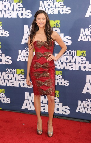 Nina Dobrev arrives at the 2011 MTV Movie Awards