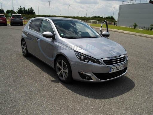 2014-Peugeot-308-6.jpg
