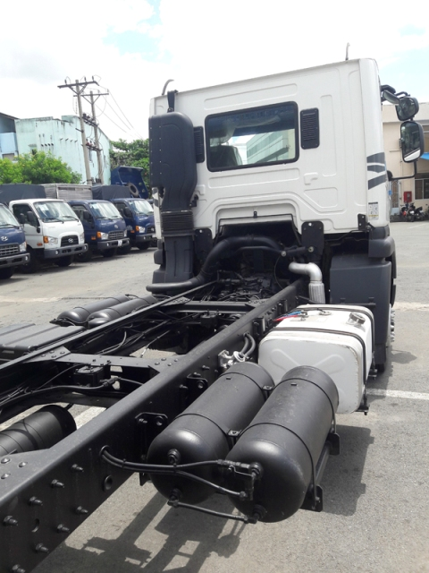 Chassi xe tải 3 chân Daewoo 15t5