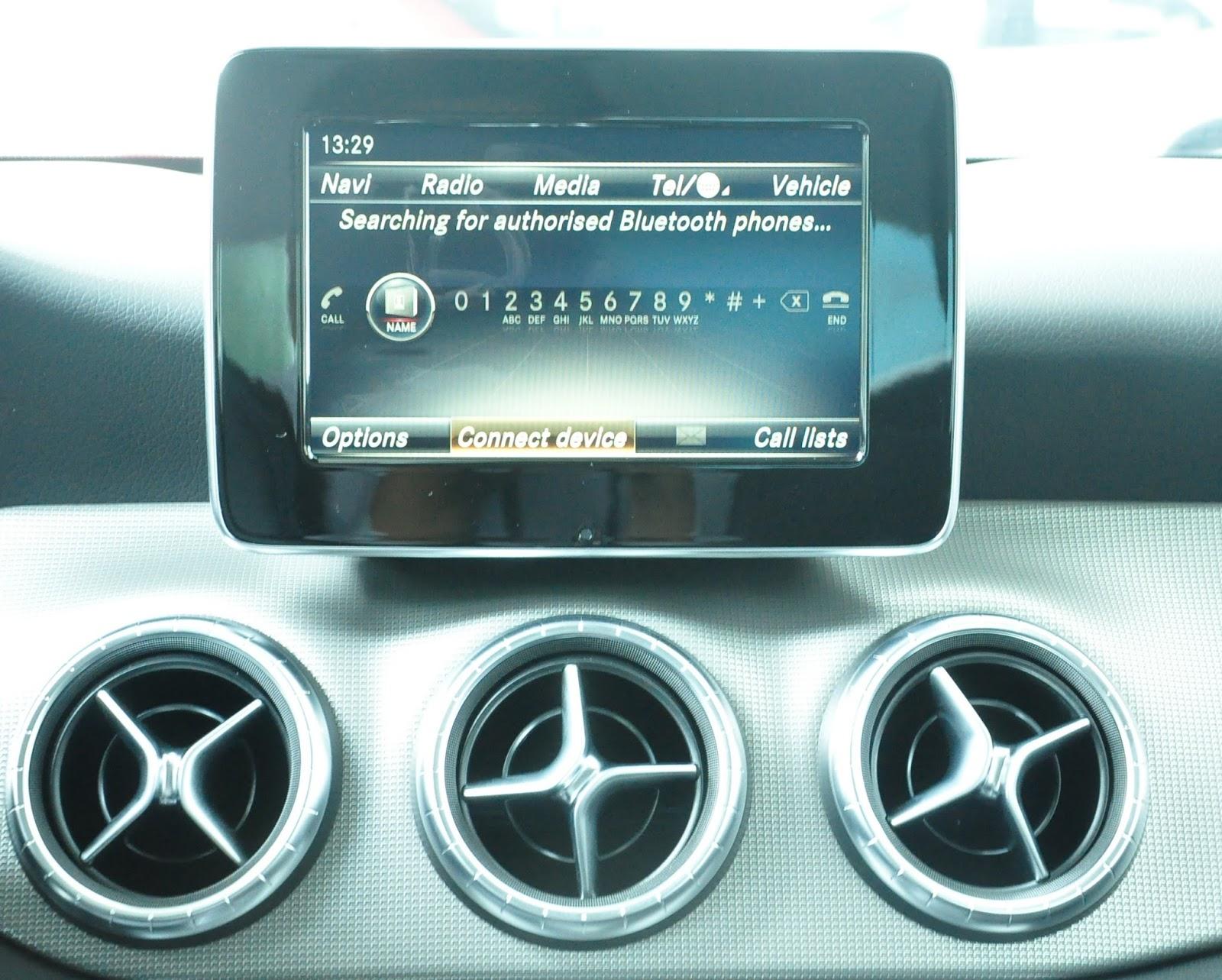 Nội thất xe Mercedes Benz CLA 200 New Model màu nâu 04