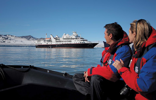 Silver_Explorer_snow_peaks - Silver Explorer's strengthened hull and the free expeditions ashore are a recipe for remarkable adventures.