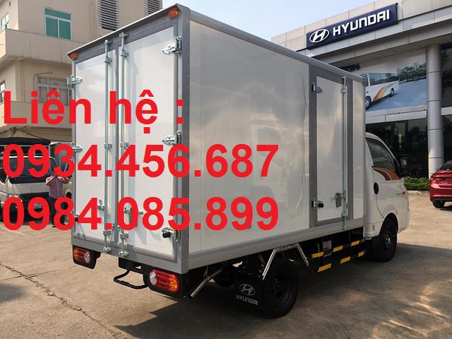 xe cho thuoc hyundai h150 dong lanh