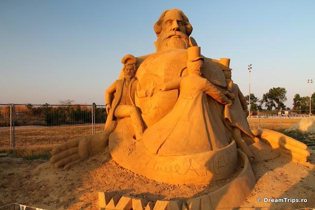 sculpturi nisip Burgas Bell & Morse.JPG