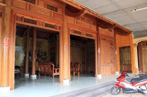 Ngôi nhà bằng gỗ giả cổ