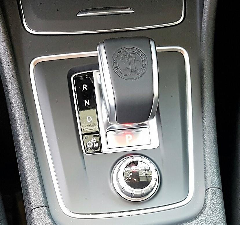 Xe Mercedes Benz CLA45 AMG màu trắng new model 017