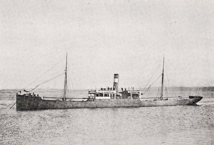 El buque mas bonito de la Compañía Santanderina de Navegación. Del libro La Marina Cantabra. Desde el Vapor. Volumen III.jpg