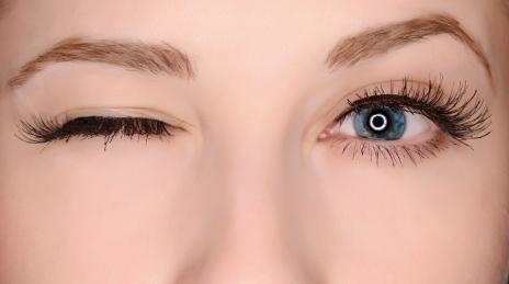 mắt trái giật có điềm gì
