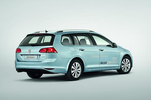 2014-VW-Golf-Variant-02.jpg