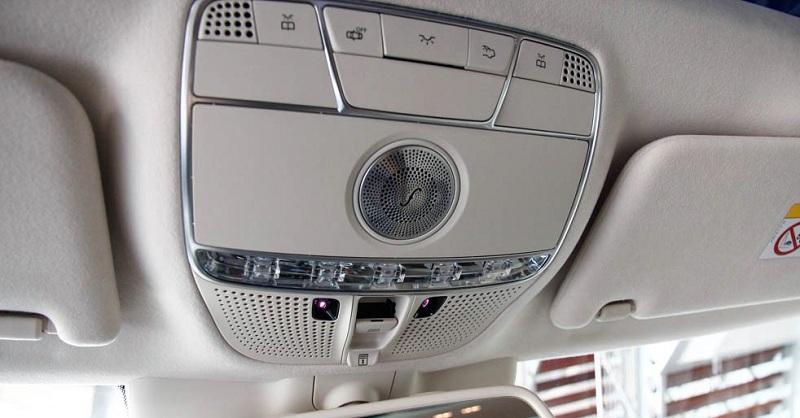 Xe Mercedes Benz S600 MAYBACH màu đen 027