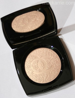 c_PoudreSigneeDeChanelIlluminatingPowder11