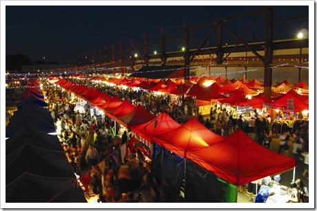 RS9862_Entertainment - Night Market  15