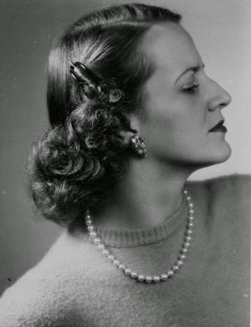 1940's side pinned style