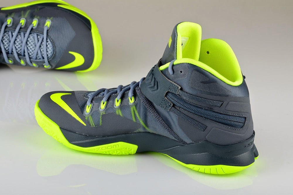 info for a2c1a 16e7b ... New Photos Nike Zoom LeBron Soldier VIII 8220Dunkman8221 ...