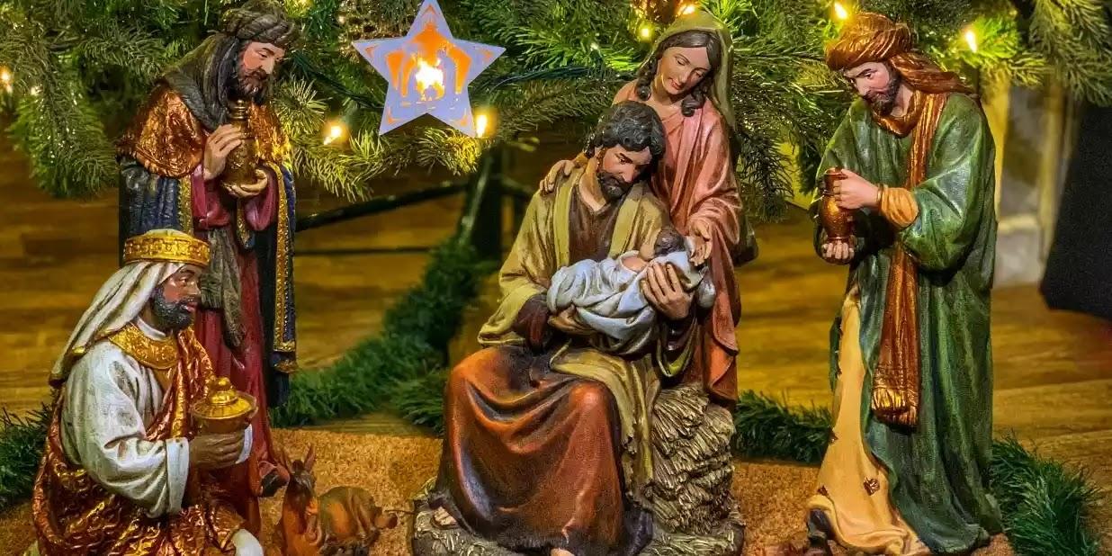 Một gia đình đến Hoa Kỳ, đã đoạt giải Hang đá Đẹp nhất 2019 của Toà thánh