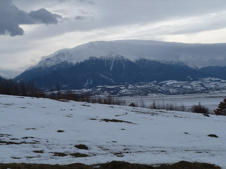 Muntii Romaniei: Bucegi invaluit de un nor ciudat