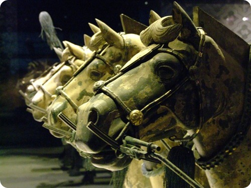 Terra_Cotta_Warriors_Xian.cavalli