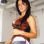 Andrea Rincon - Selena Spice - Striptease Segunda Prenda Foto 2
