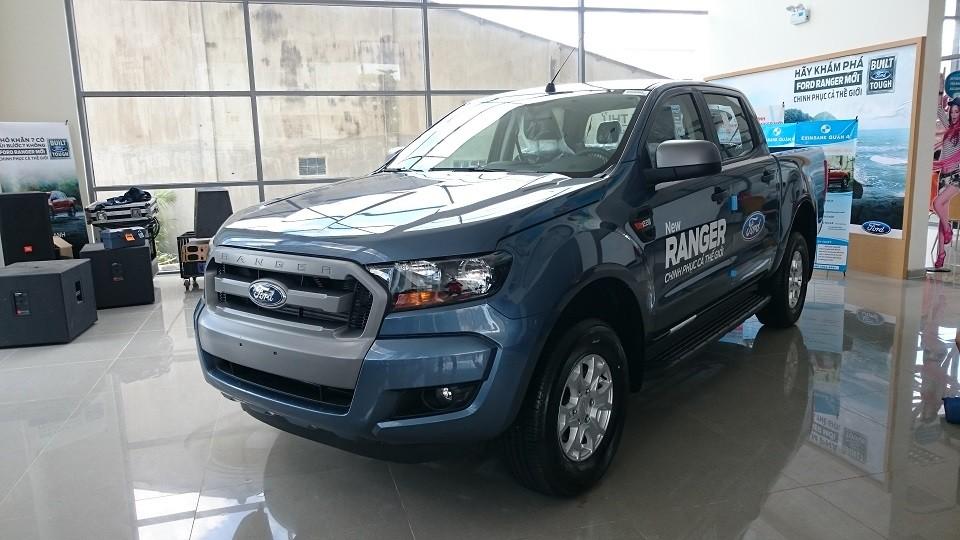 Xe Bán Tải Ford Ranger màu xanh đá 01