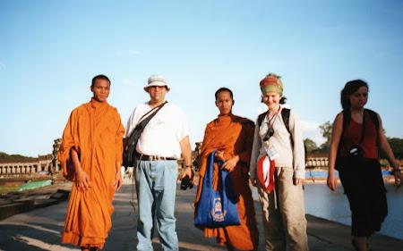 calugari budisti la Angkor Wat