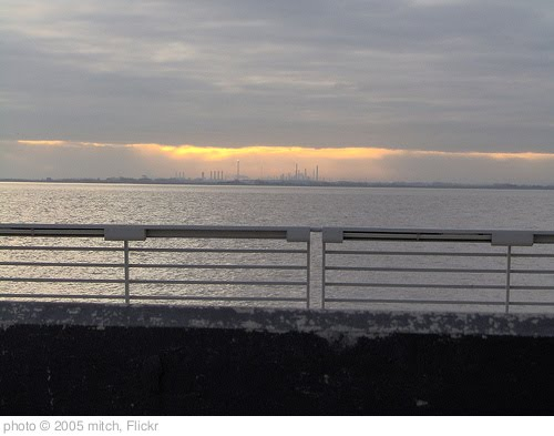 'immingham' photo (c) 2005, mitch - license: http://creativecommons.org/licenses/by-nd/2.0/