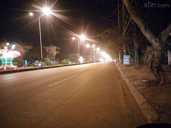 Ánh đèn đô thị .... Huyết thư từ đường Phạm Văn Đồng