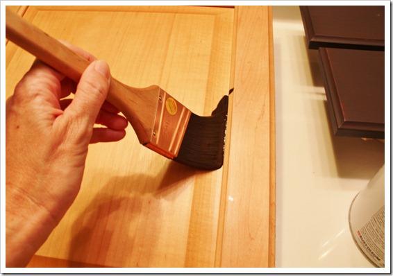 apply base coat stain (1024x683)