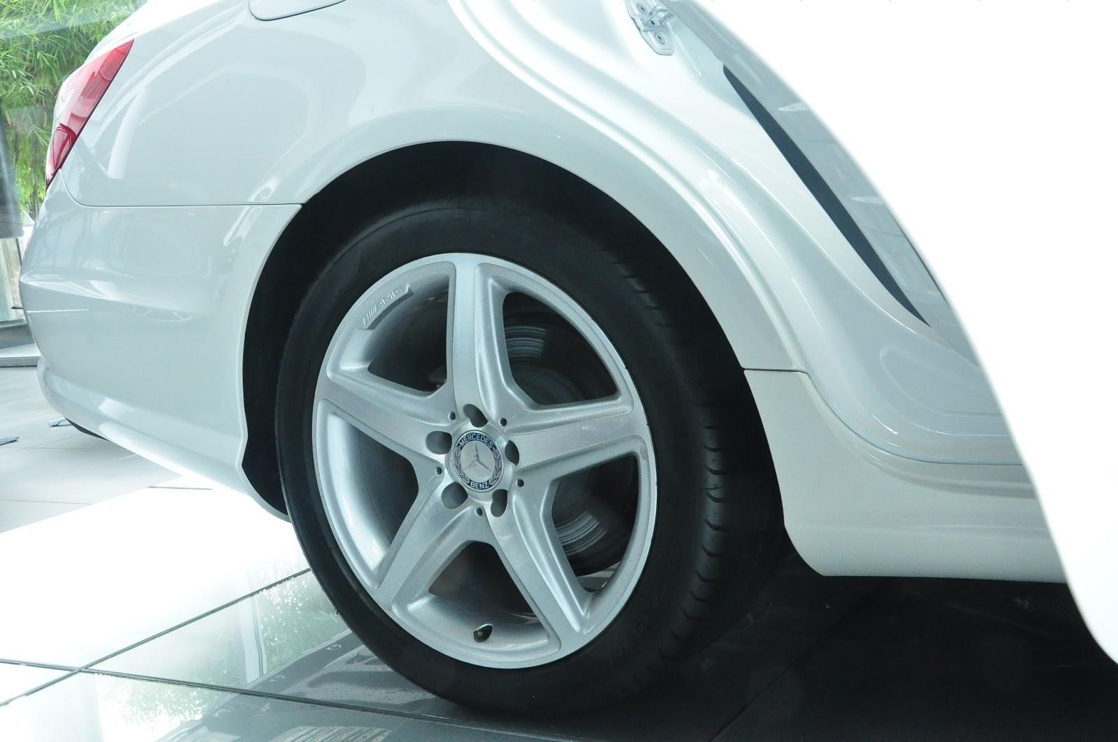 Xe Mercedes Benz CLS350 New Model màu trắng 06