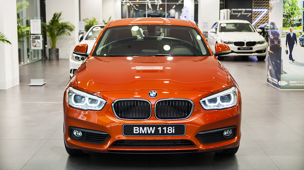 Xe BMW 118i New Model 01