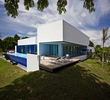 casa-con-piscina-construccion-de-piscinas