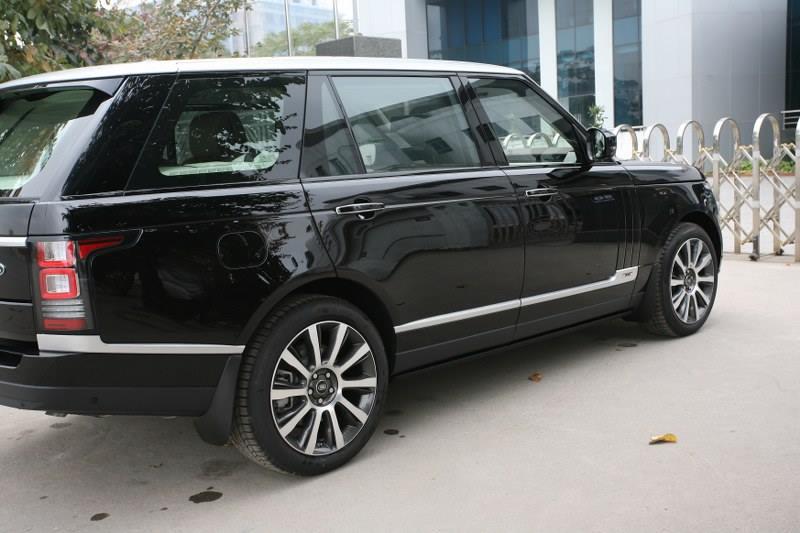 Xe Land Rover Range Rover Autobiography LWB Full Oftion màu đen 02