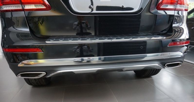 Xe Mercedes GLE 400 4Matic màu đen 010
