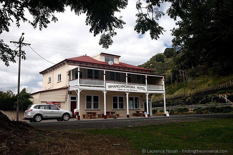 Whangamomna Hotel New Zealand