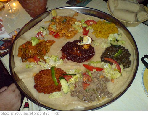 'eritrean  food on an injeera' photo (c) 2008, secretlondon123 - license:  http://creativecommons.org/licenses/by-sa/2.0/