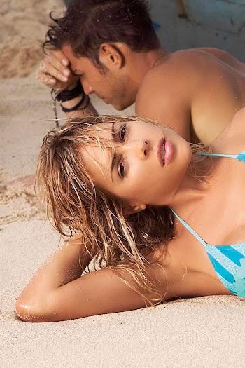 Natalia Paris Swimsuit Foto 65