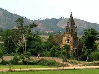 Vẻ đẹp từ những ngôi nhà thờ hoang phế