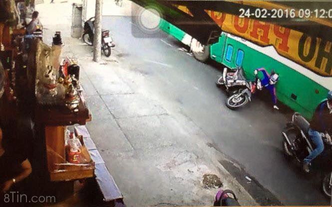 [Lời khuyên khi gặp xe buýt]  SHARE CHO MỌI NGƯỜI CÙNG CẢNH GIÁC NHÉ !