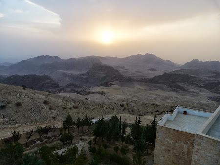 Apus de soare Petra