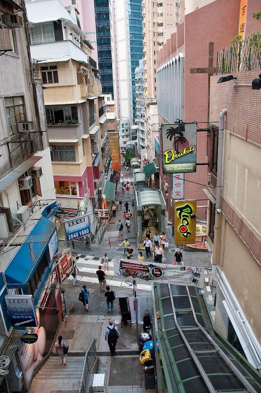 نظام السلالم في هونج كونغ الأطول في العالم central-mid-levels-e