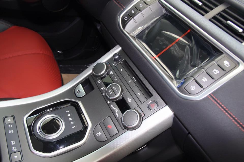 Nội thất Xe Range Rover Evoque HSE DYNAMIC Màu Đỏ 02