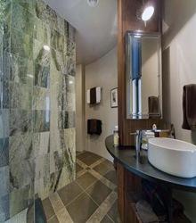baños-de-diseño-revestimiento-en-baños