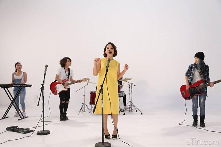 1 số hình ảnh trong MV sắp ra mắt của Linh. MV