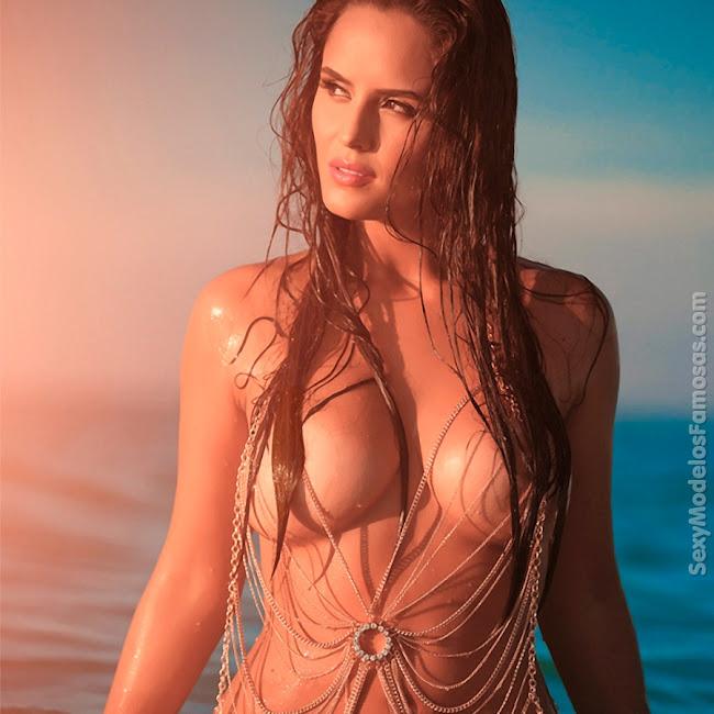 Ana Lucia Dominguez Desnuda SoHo Foto 29