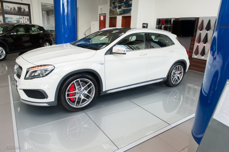 xe Mercedes Benz GLA45 AMG 4Matic New Model 07