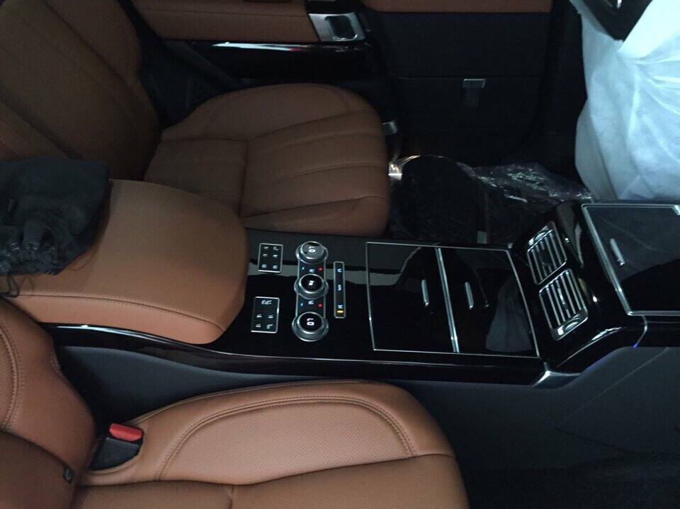 Nội Thất Xe Land Rover Range Rover Autobiography LWB Full Oftion màu đen 05