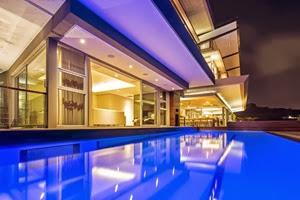 casa-de-lujo-con-piscina