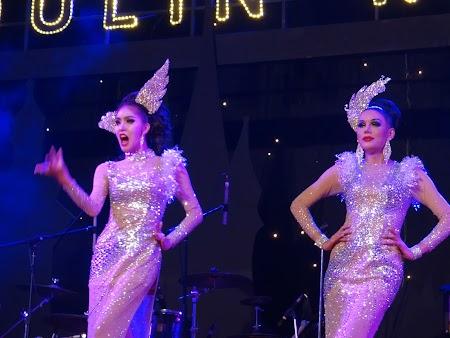 24. Ladyboys Pattaya.JPG