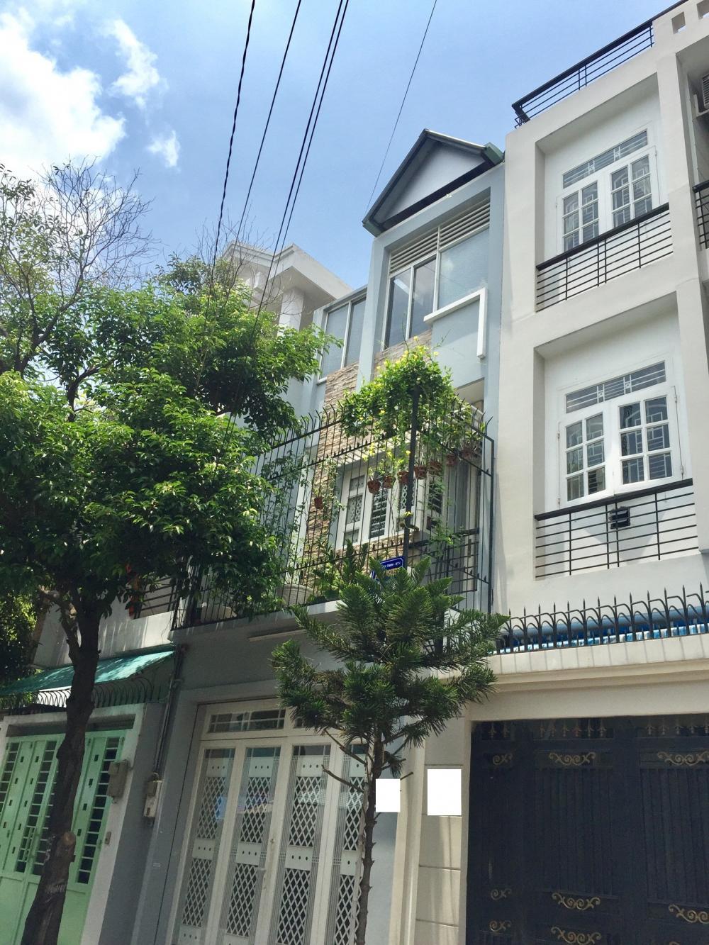 Bán nhà phố đúc 3 tấm mặt tiền đường Phan Chu Trinh 01