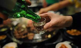 Câu chuyện không lái xe khi uống rượu, chưa bao giờ sống động đến thế. Trong khi chúng ta chỉ cần bỏ ra vài chục nghìn, vứt đi một chút sĩ diện hão và gọi xe ôm hay taxi.