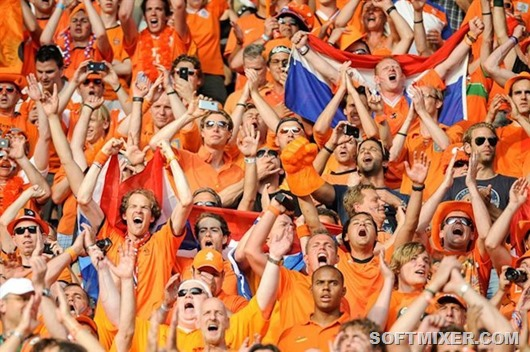 Dutch_football_supporters_20120609__1_